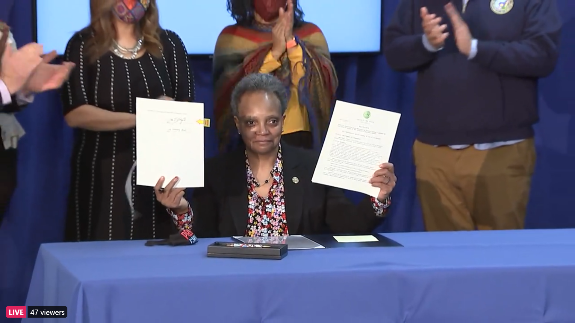 Lightfoot signs expanded Welcoming City ordinance