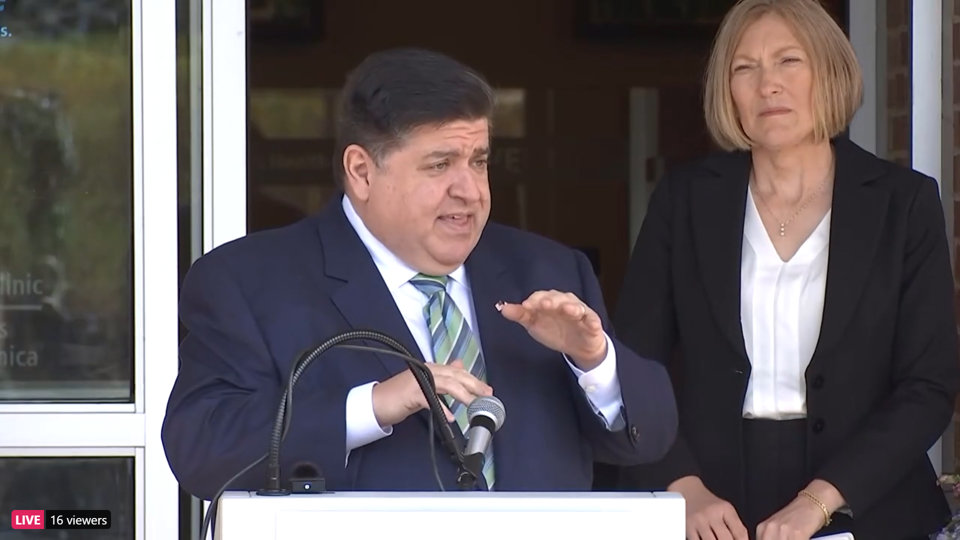 Pritzker deploying Pandemic Health Navigators to get more people vaccinated