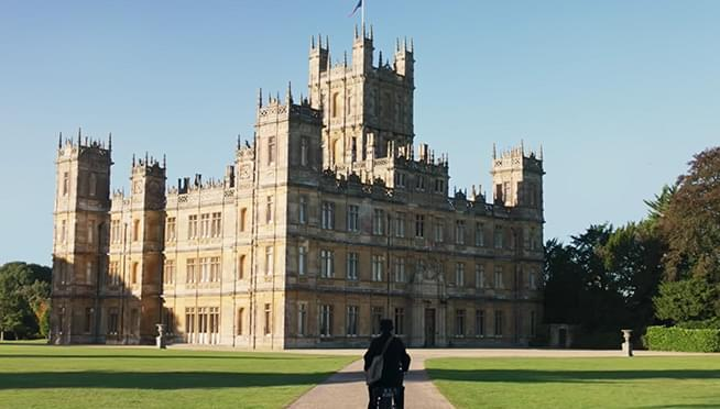 'Downton Abbey' takes weekend box office crown