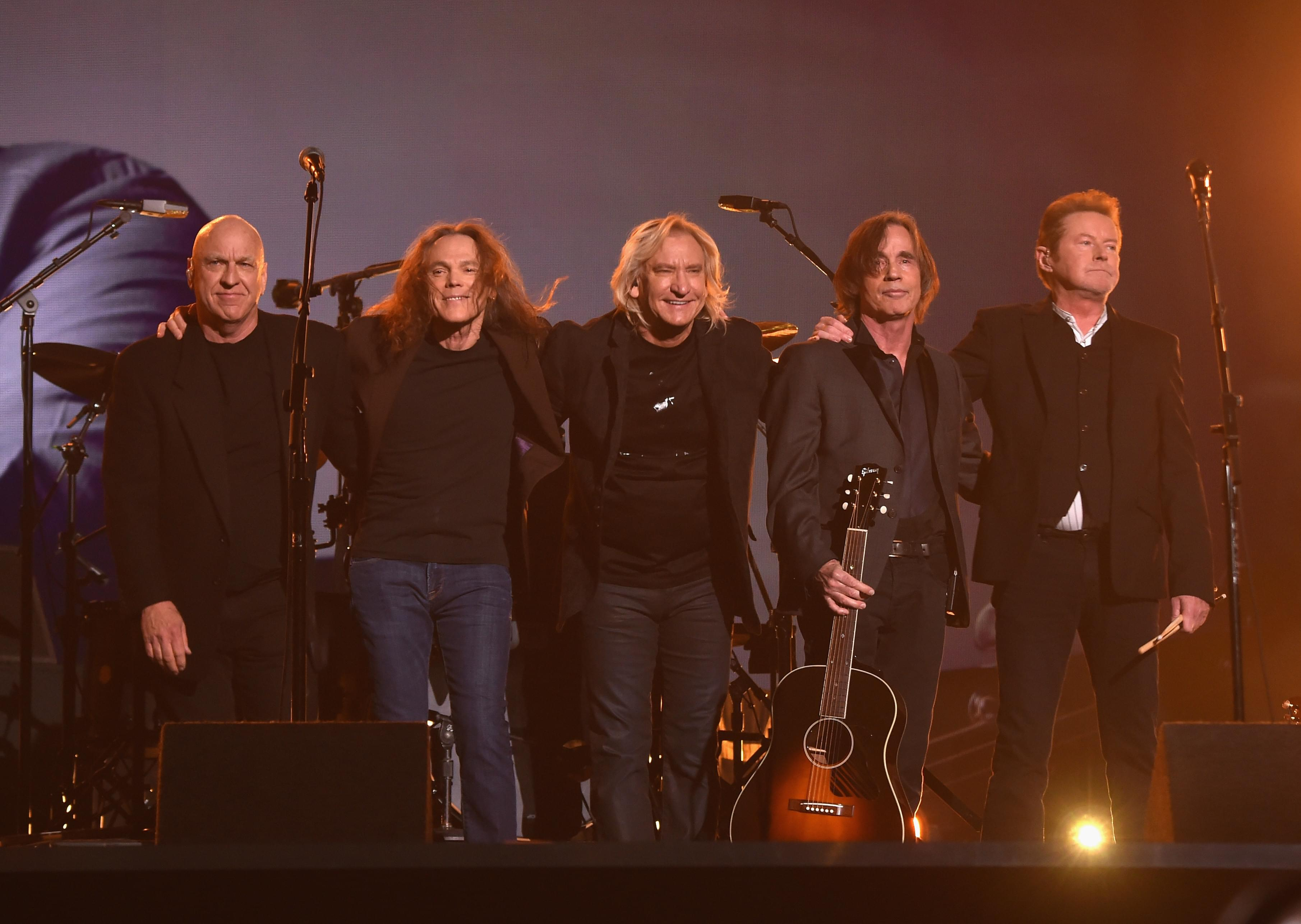 Eagles Tour 2020.The Eagles Announce 2020 Hotel California Tour 94 7 Wls