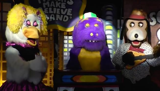 Chuck E. Cheese is getting rid of its animatronic animal band