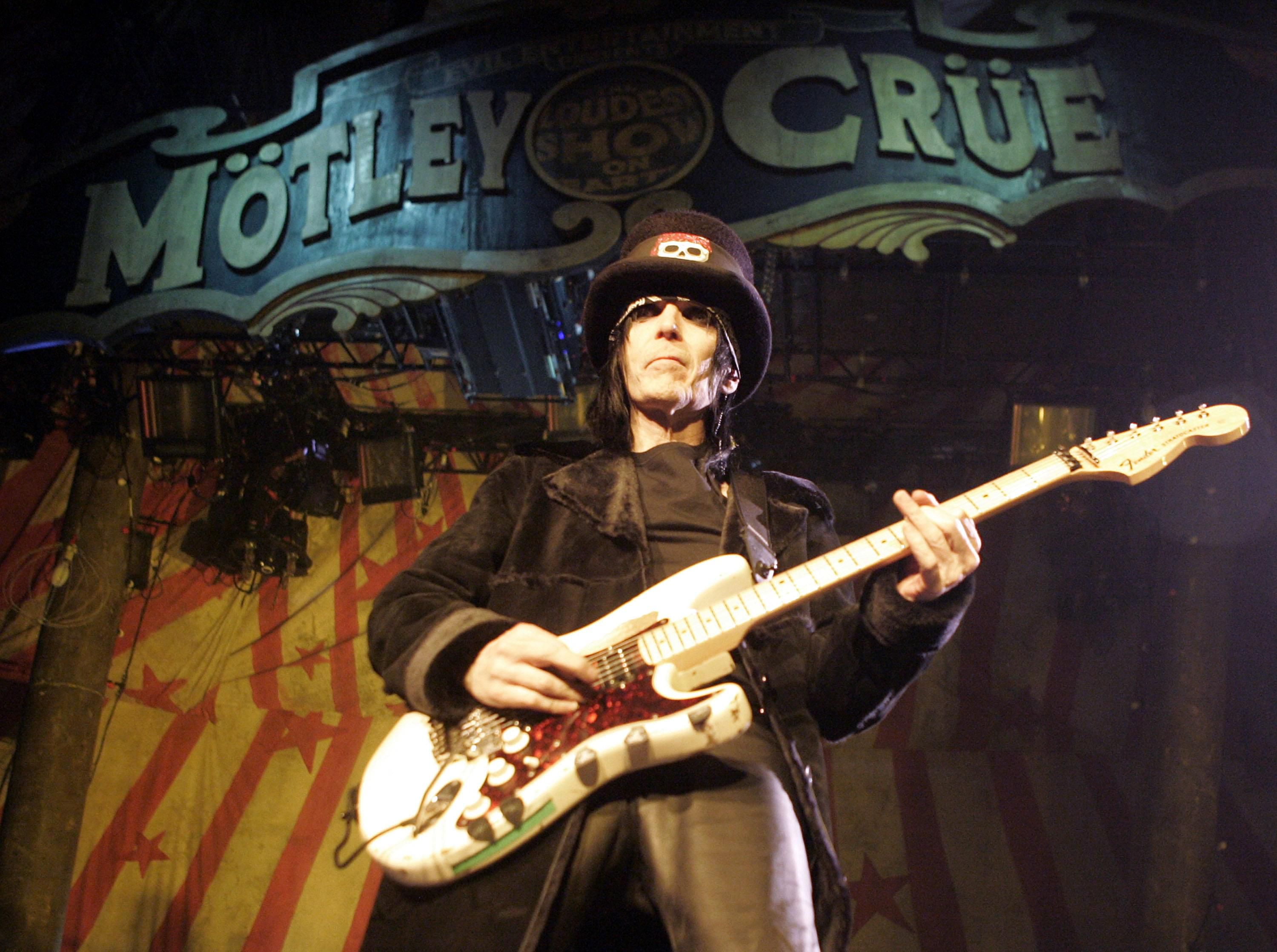 Mick Mars promised us all FREE tickets if Motley Crue ever reunited