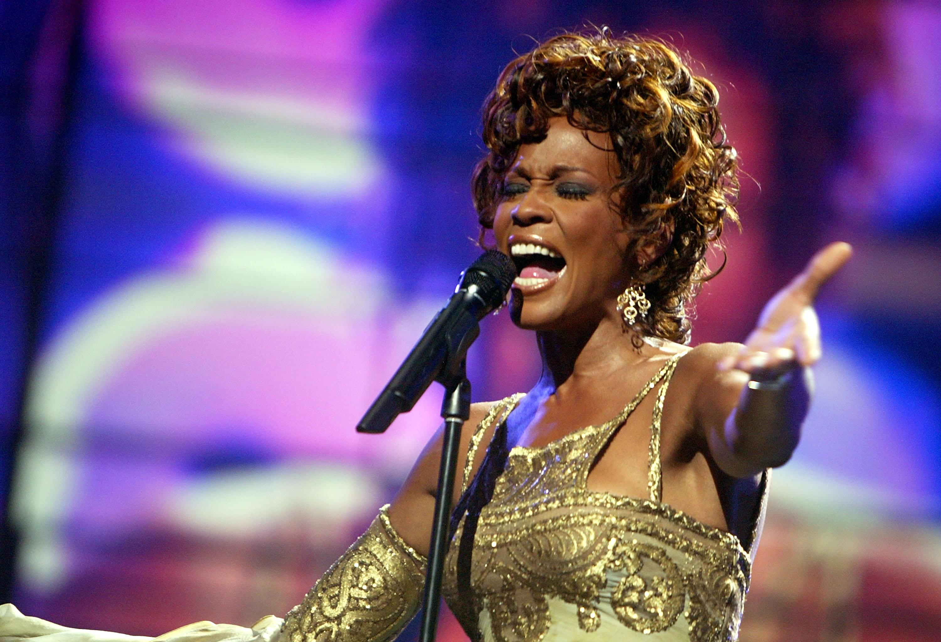 Fans react to first look of Whitney Houston hologram