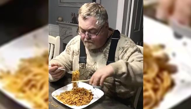 Is this a GENIUS way to eat spaghetti …or just RIDICULOUS?