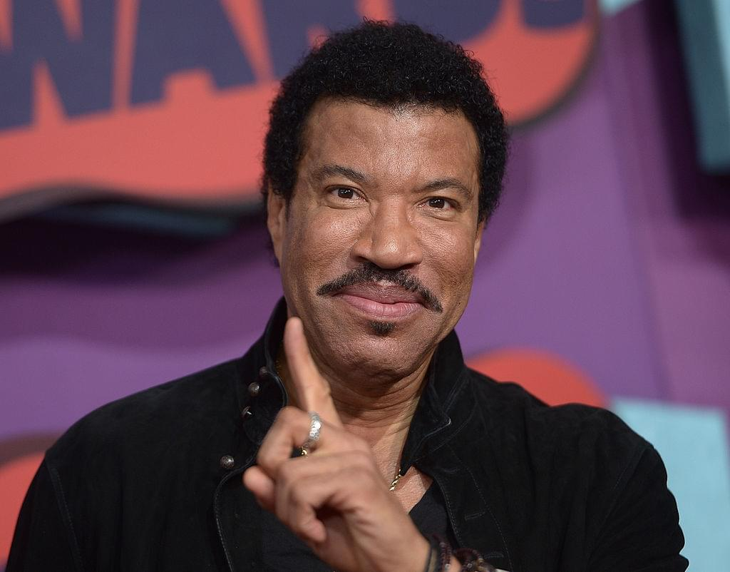 "Lionel Richie wants to do another ""We Are The World"" for victims of Coronavirus"