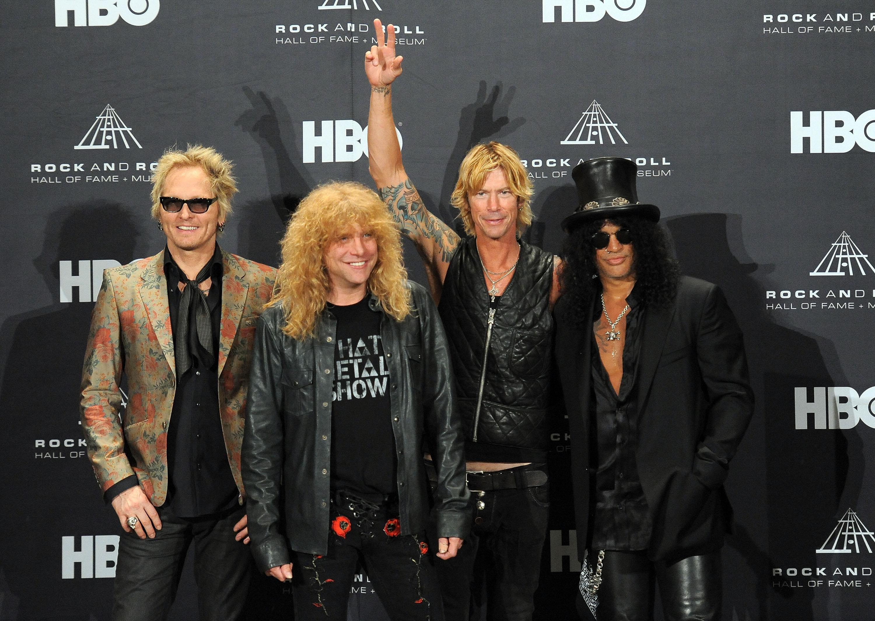Guns N' Roses POSTPONES summer stadium trek