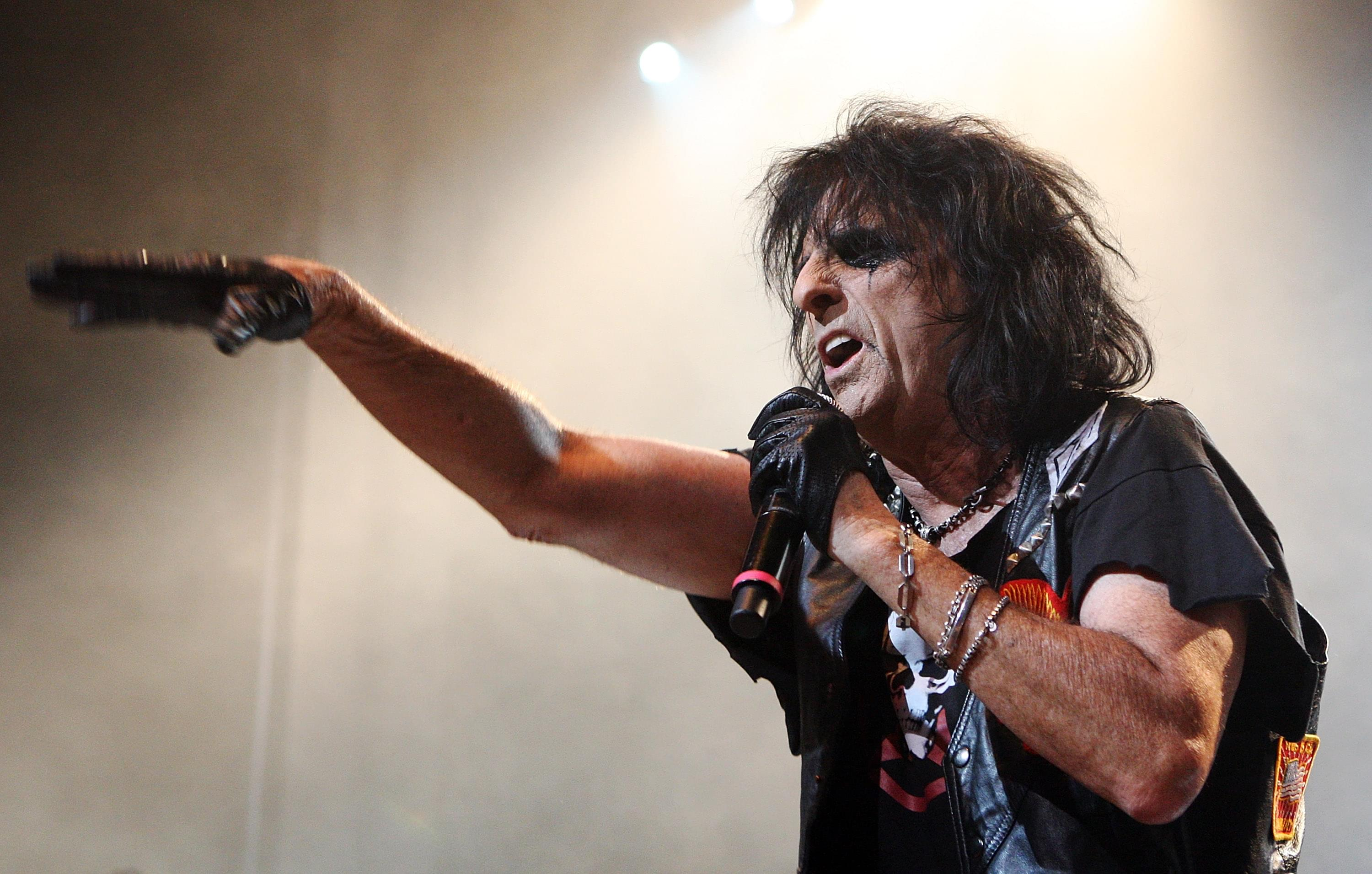 Alice Cooper is spending his quarantine… TAP DANCING??