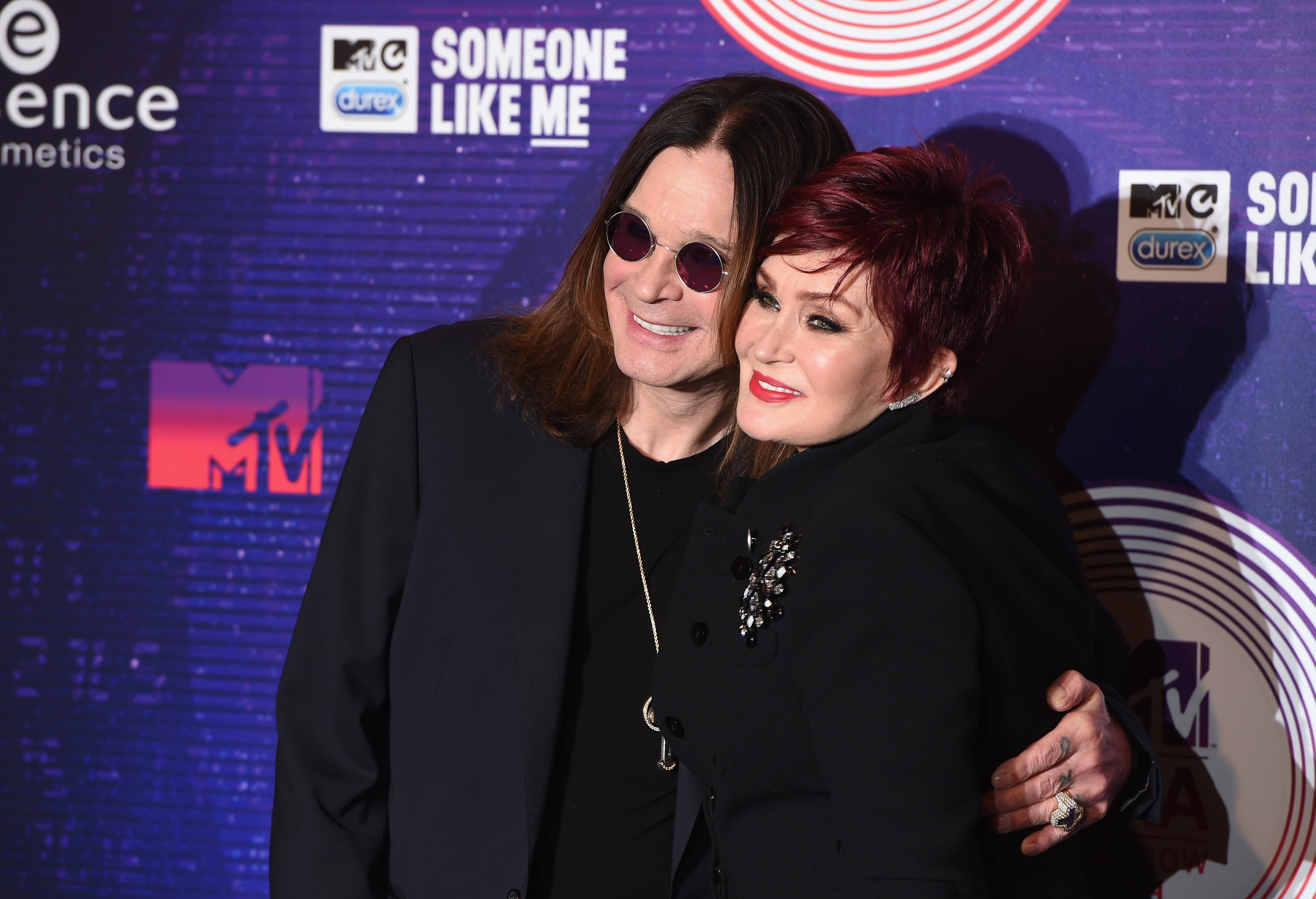 Ozzy's hunting ghosts!!  The Osbourne's will star in a paranormal TV series