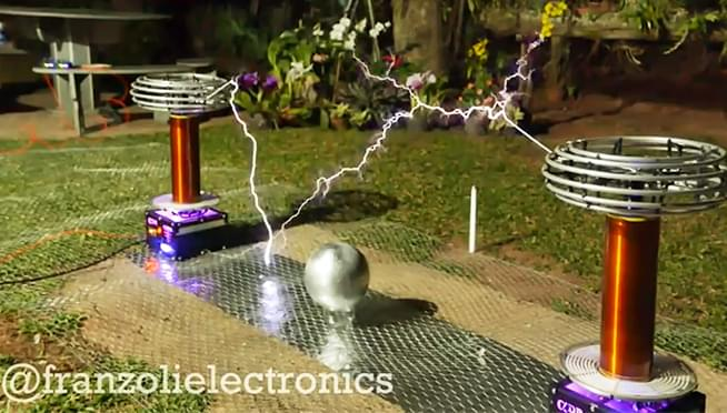 """WATCH Toto's """"Africa"""" played on high-voltage Tesla coils"""