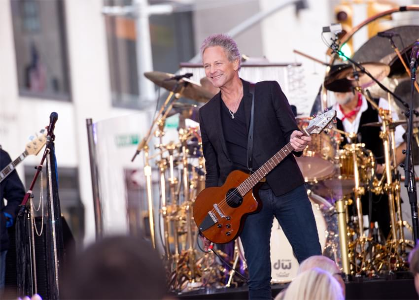 Lindsey Buckingham sings publicly for the first time since bypass surgery