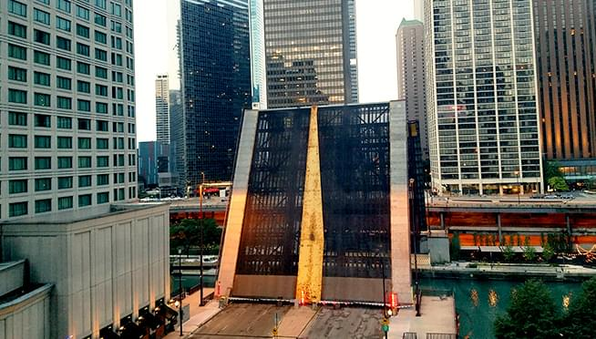 Bridges UP!  It's FALL so boats are heading back down the Chicago river into storage starting today