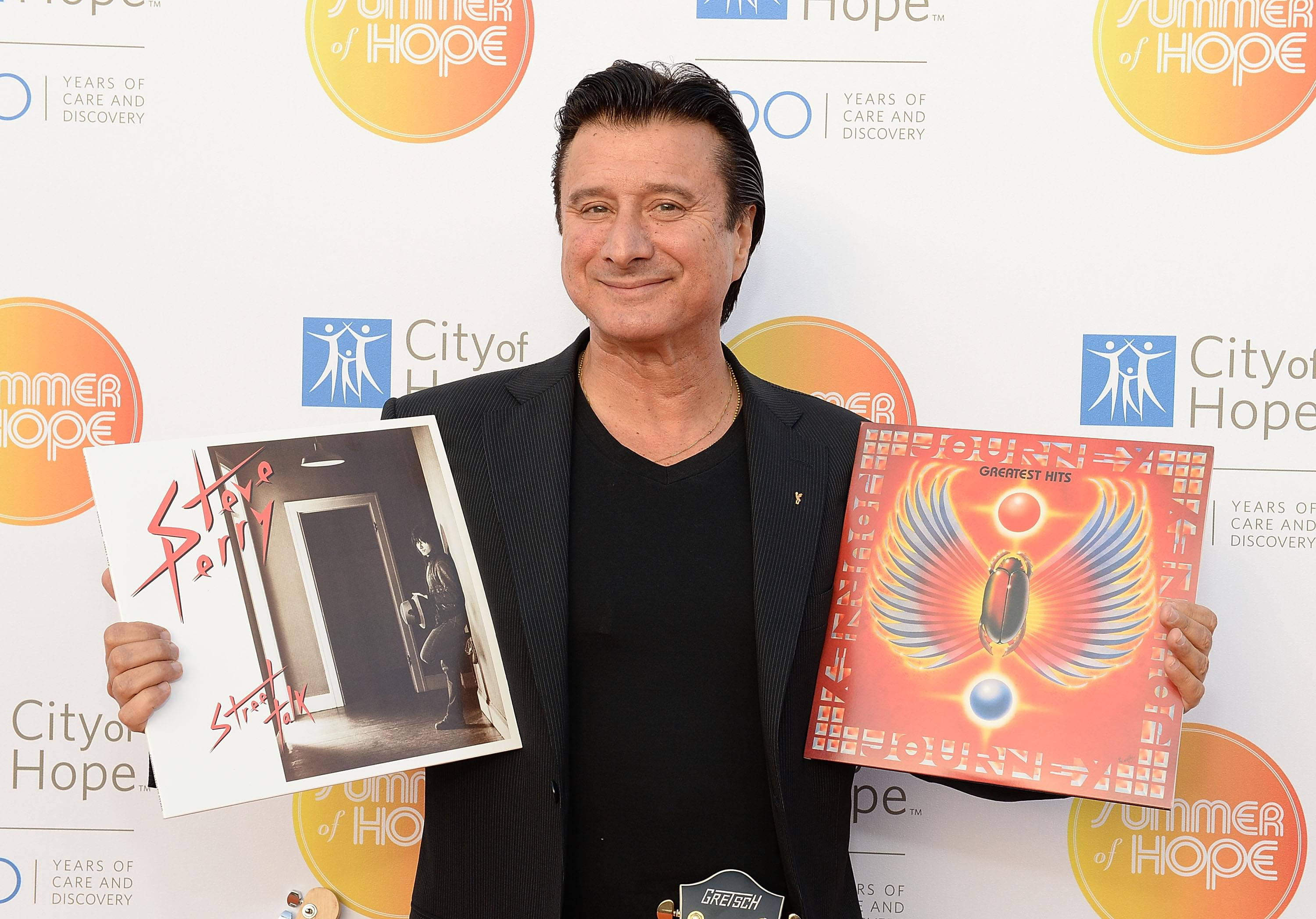 Steve Perry announces acoustic 'Traces' album