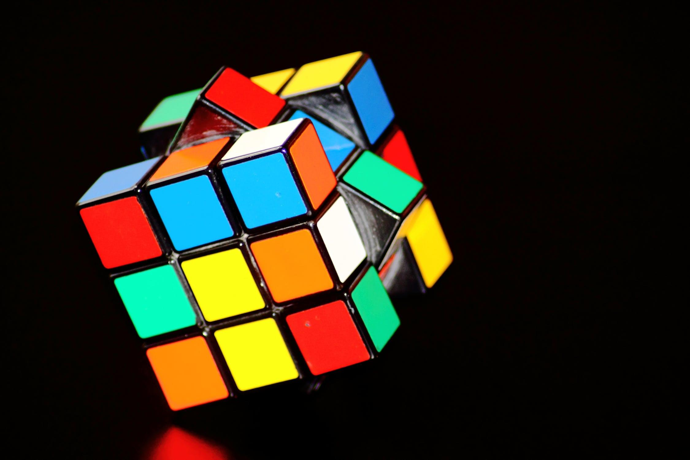 A new smart Rubik's Cube tells you how to solve it