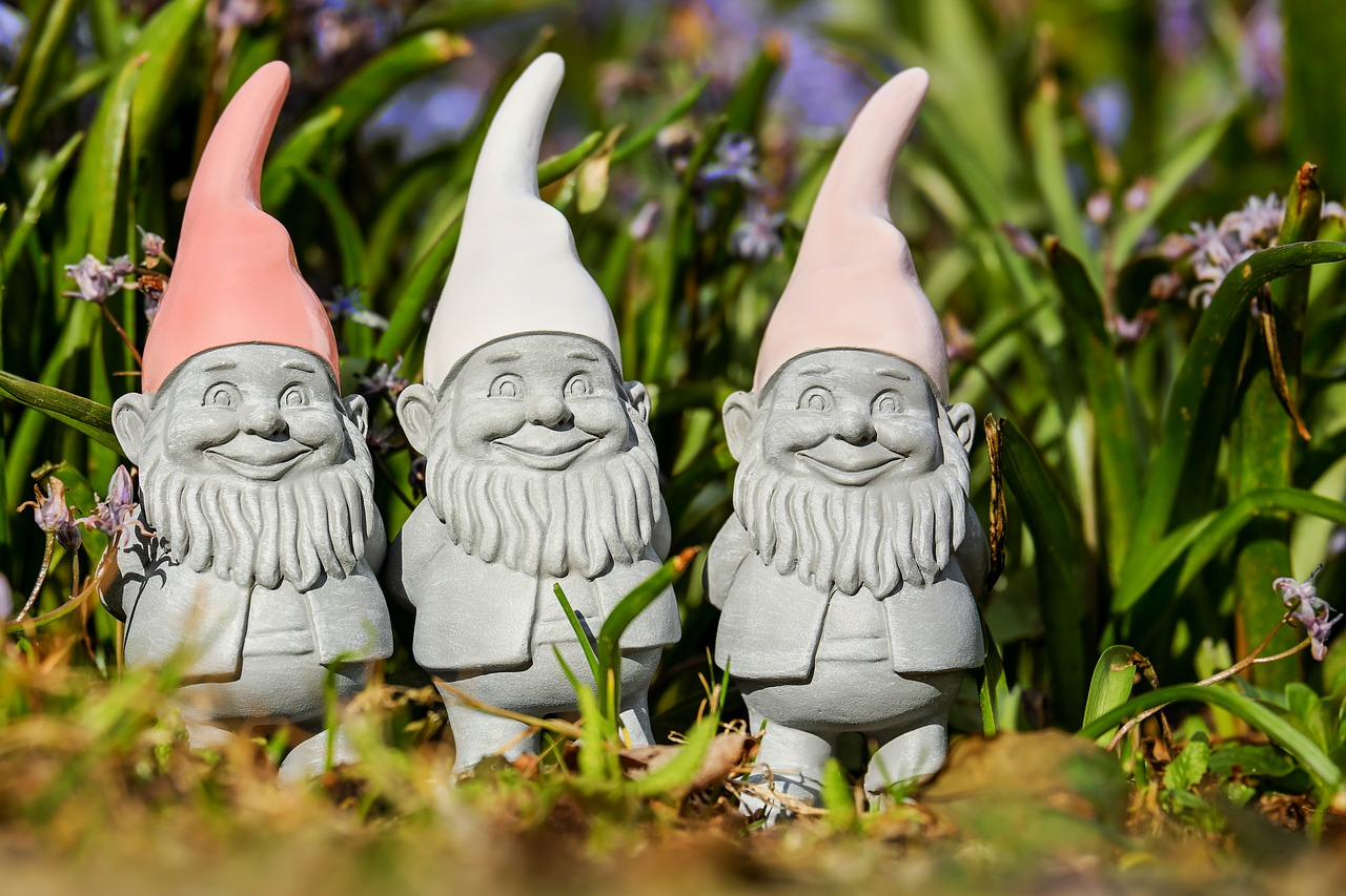 ANOTHER pandemic shortage: Garden Gnomes!!