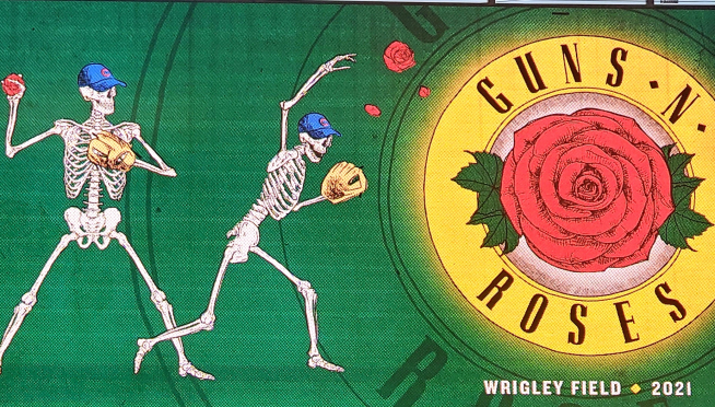"""Watch Guns N' Roses Play """"Welcome To The Jungle"""" at Wrigley Field"""