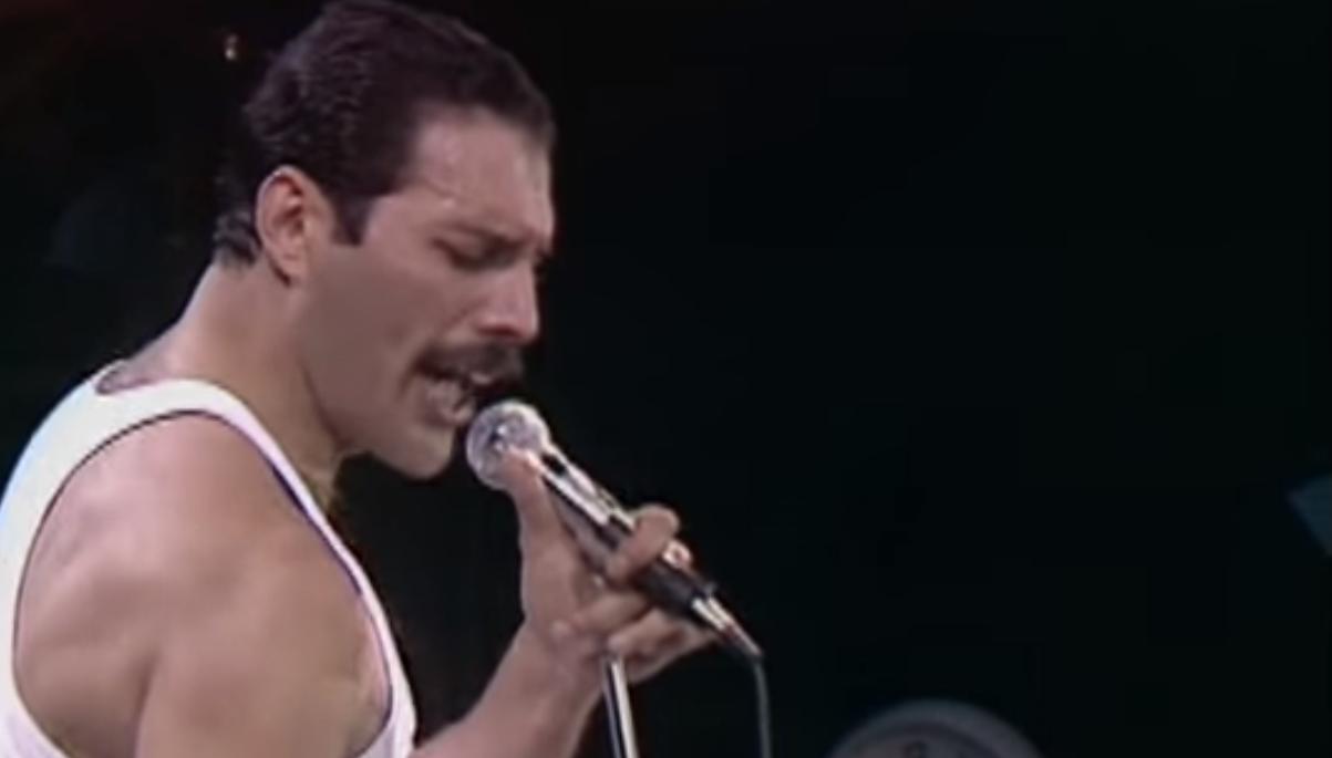 Queen wins Cold War (Loop Rock History)