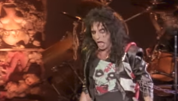 Loop Hall of Fame – Alice Cooper (inducted 10/27/17)