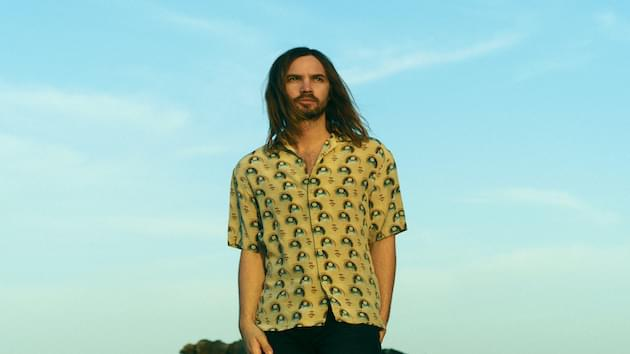 Tame Impala Performs on the Late Show as Kevin Parker Clones