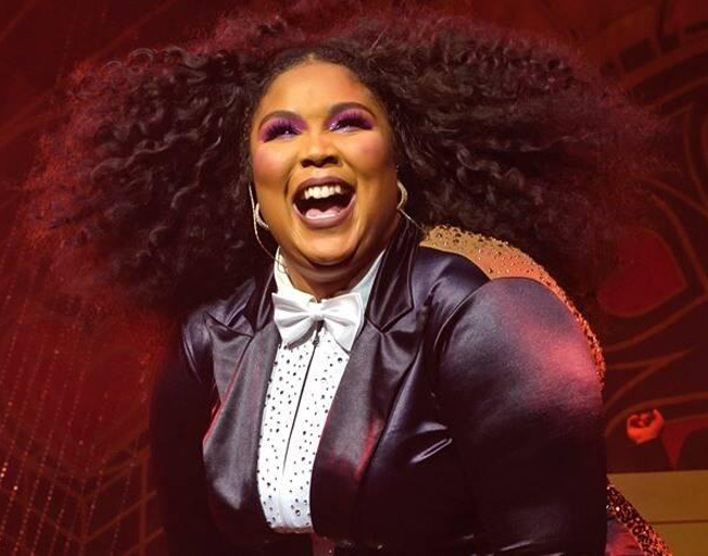"""Lizzo Covers Harry Styles' """"Adore You""""  [WATCH]"""