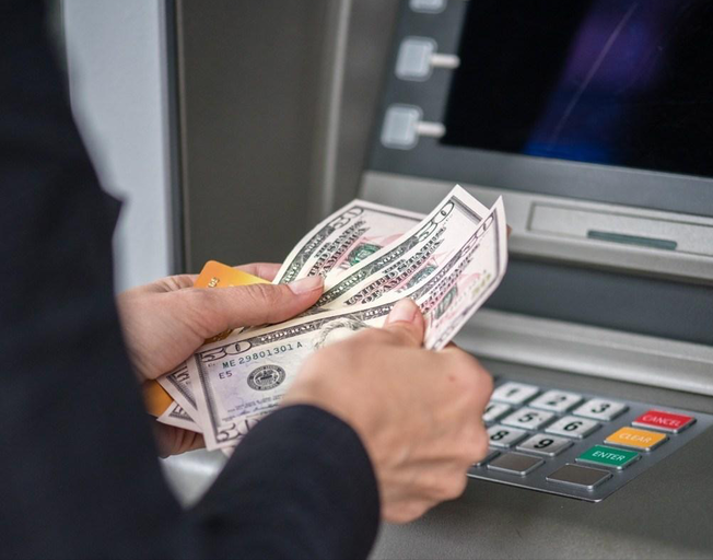 The CDC Says This Is How You Should Handle Money Amid the Coronavirus