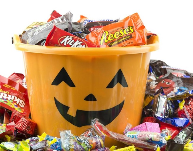 Discover Halloween Candy That Debuted The Decade You Were Born