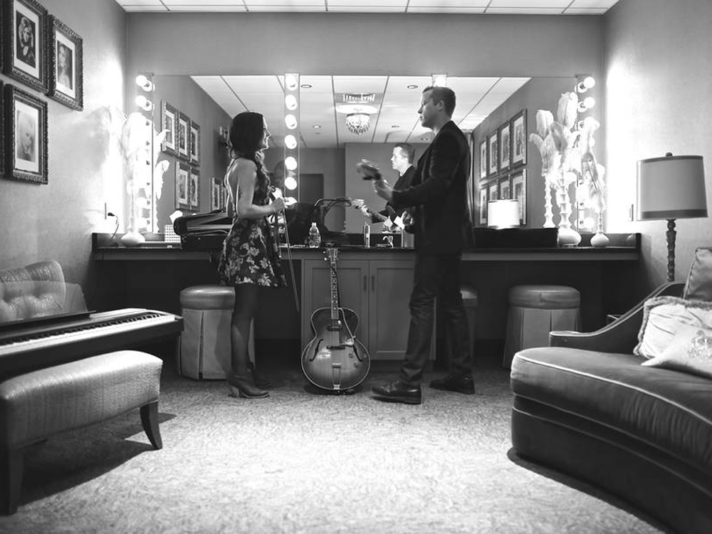 "Listen to Jason Isbell & Amanda Shires' Striking New Tune, ""The Color of a Cloudy Day"""