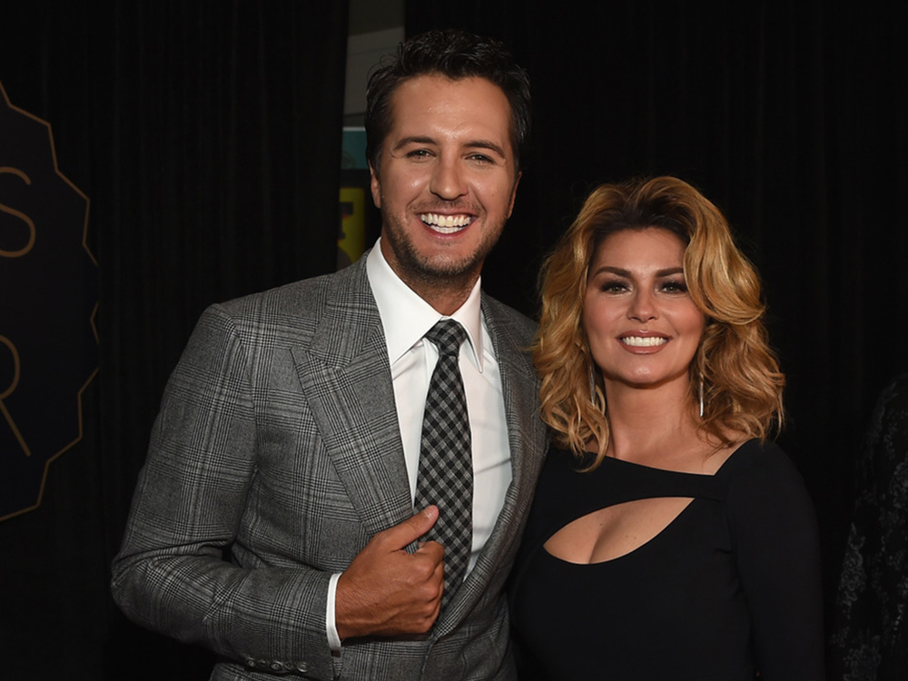 "Photo Gallery: Carrie Underwood, Luke Bryan, Chris Stapleton, Florida Georgia Line and Thomas Rhett Shine at the ""CMT Artists of the Year"" Show"