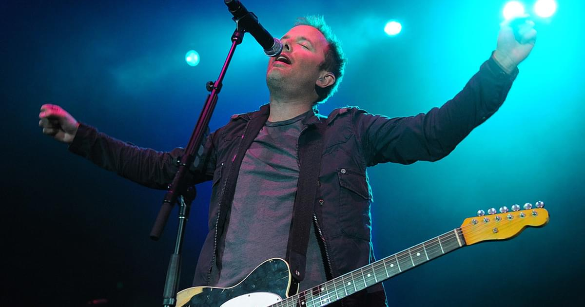 """Exclusive: Chris Tomlin Sings the Praises of the Artists & Songs on His New Worship Album, """"Chris Tomlin & Friends"""""""