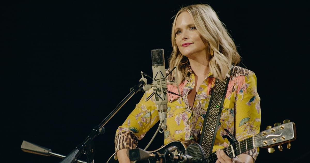"Watch Miranda Lambert Honor John Prine by Singing ""That's the Way the World Goes 'Round"" at Country Music Hall of Fame"