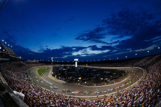 "NASCAR Drivers ""Chase"" a Win at Richmond Saturday Night"
