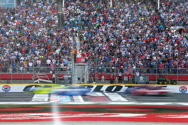 NASCAR Round of 12 Begins at Charlotte Motor Speedway