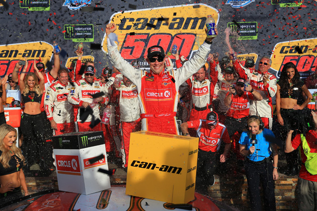 Kenseth Wins and NASCAR Championship Four Set at Phoenix [VIDEO, PHOTOS]