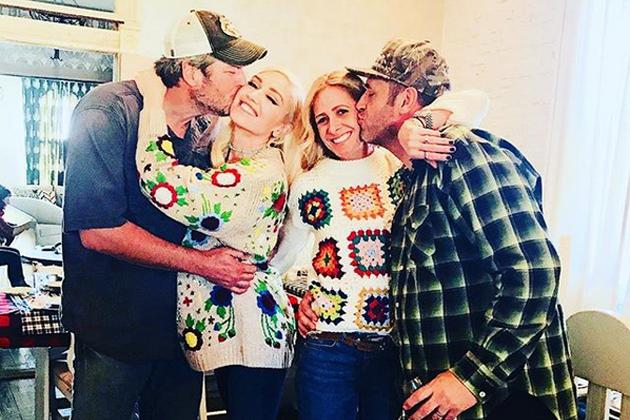 Blake Shelton Hosts Gwen Stefani's Family for Thanksgiving