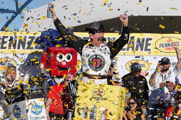 """Kevin Harvick """"Freaky Fast"""" Again in NASCAR Vegas Win [VIDEO, PHOTOS]"""