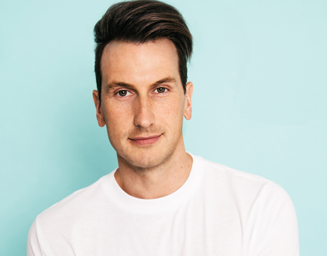"Russell Dickerson loves ""Every Little Thing"" about being #1!"