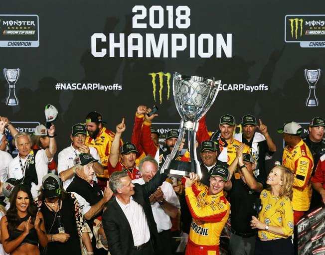 Joey Logano Wins Ford EcoBoost 400 and NASCAR Championship at Homestead-Miami Speedway [VIDEO]