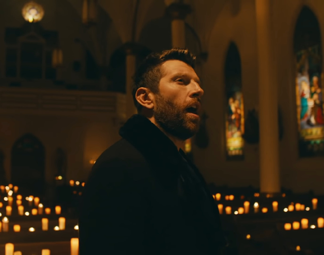 Brett Eldredge Shares Tearful 'Best Man Speech' Song for His Brother's Wedding [VIDEO]