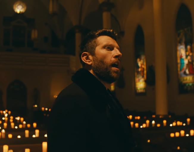 """Brett Eldredge in new """"The First Noel"""" music video."""