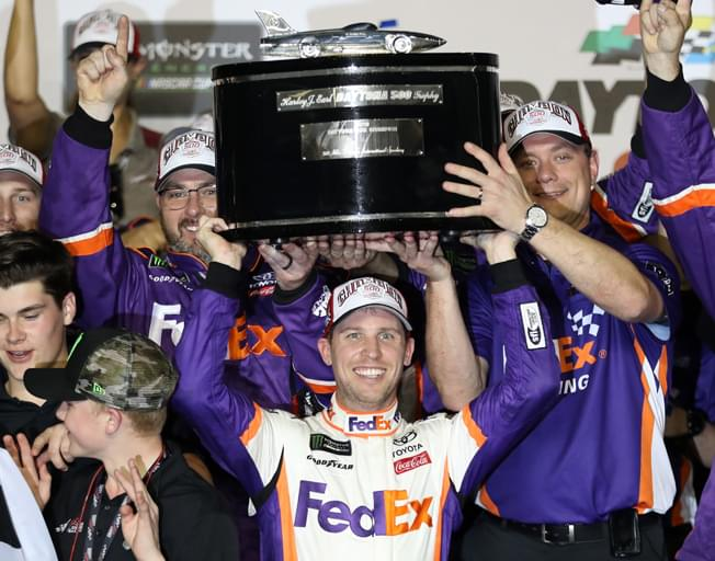 Denny Hamlin Wins Daytona 500 to start 2019 NASCAR Season [VIDEO]