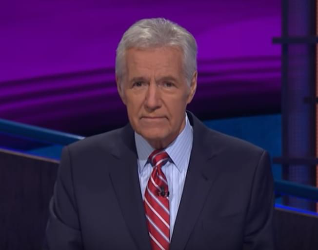 """Alex Trebek Chokes Up After Sweet Message From """"Jeopardy"""" Contestant [VIDEO]"""