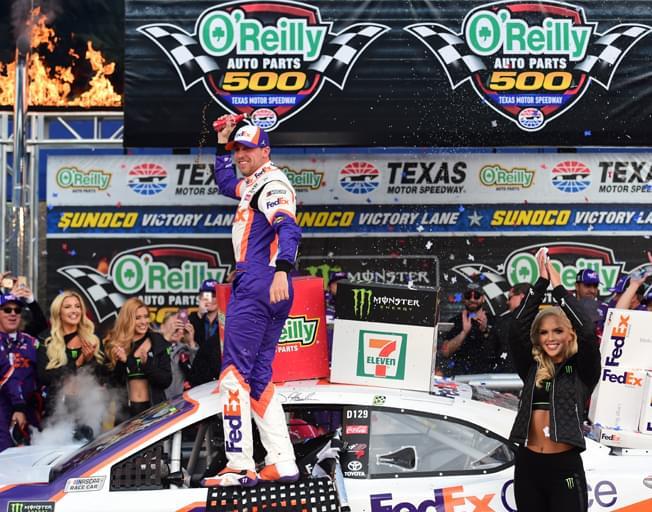 Denny Hamlin Rallies to Win NASCAR Race in Texas [VIDEO]
