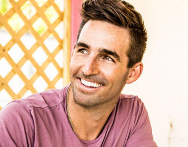 Jake Owen's Baby Girl is HERE! Welcome Paris Hartley!