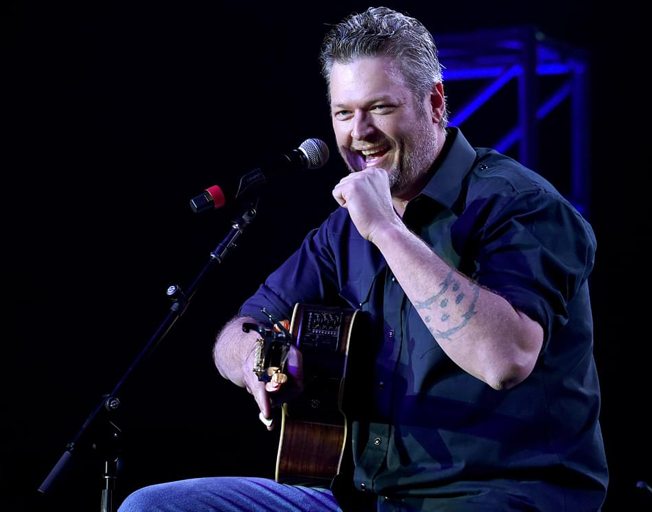 "Blake Shelton Spends 2nd Week at Number One with ""God's Country"""