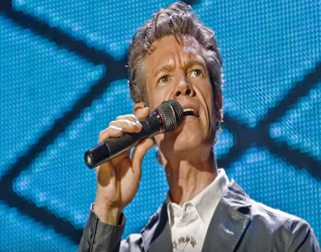 Randy Travis Is Going On Tour This Fall