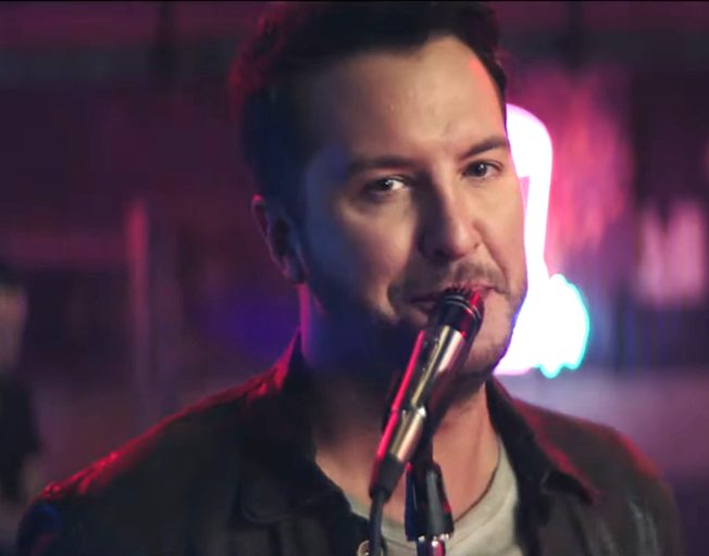 "Luke Bryan Keeps ""Knockin' Boots"" at Number One"
