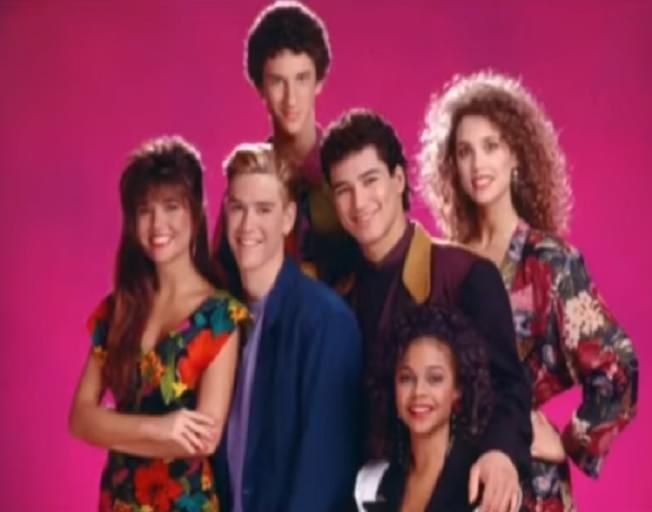 """""""Saved by the Bell"""" Reboot Will Star Mario Lopez and Elizabeth Berkley"""