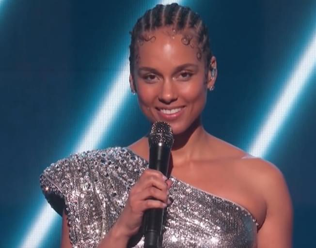 Amazing Tribute To Kobe Bryant By Alicia Keys And Boyz II Men At 2020 GRAMMY Awards