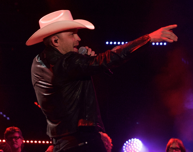 Justin Moore on stage