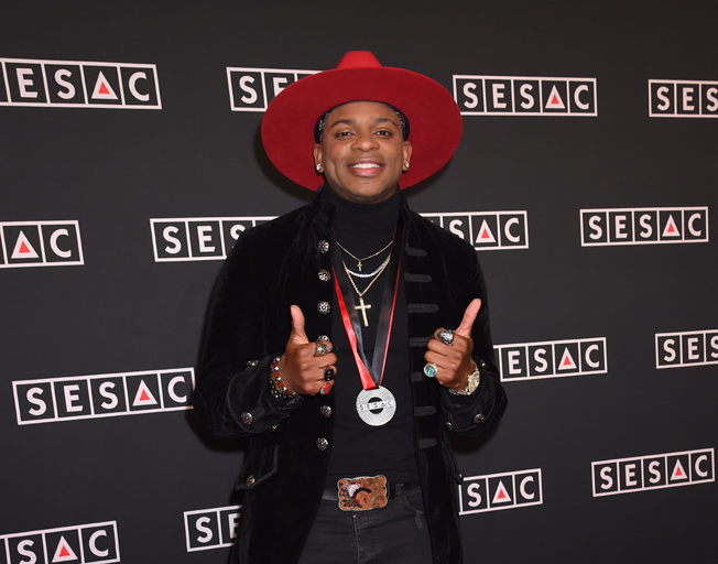 """Jimmie Allen """"Make Me Want To"""" Hits #1"""
