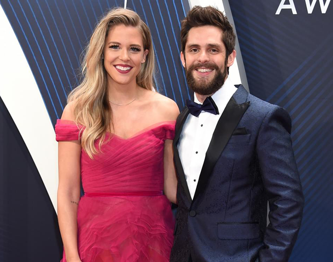 """Thomas Rhett Says his Wife Lauren is a """"Laid-Back"""" Mother"""